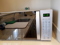 Whirlpool 1.1 Microwave Oven Stainless steel