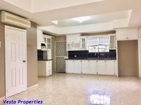 Unfurnished 2 bed townhouse