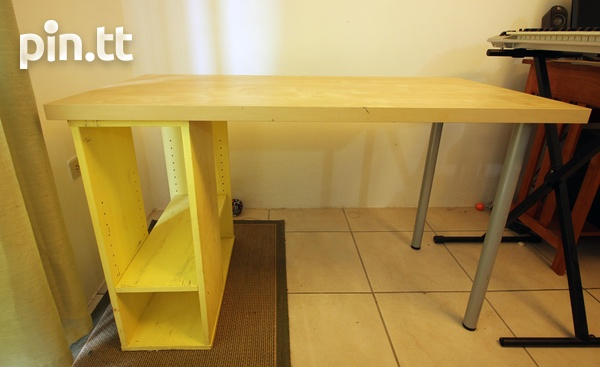 Computer Desk, Ideal for a Child-2