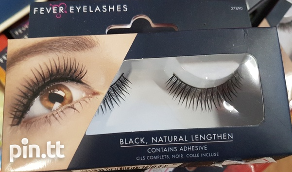 Beautiful lashes with adhesive-4