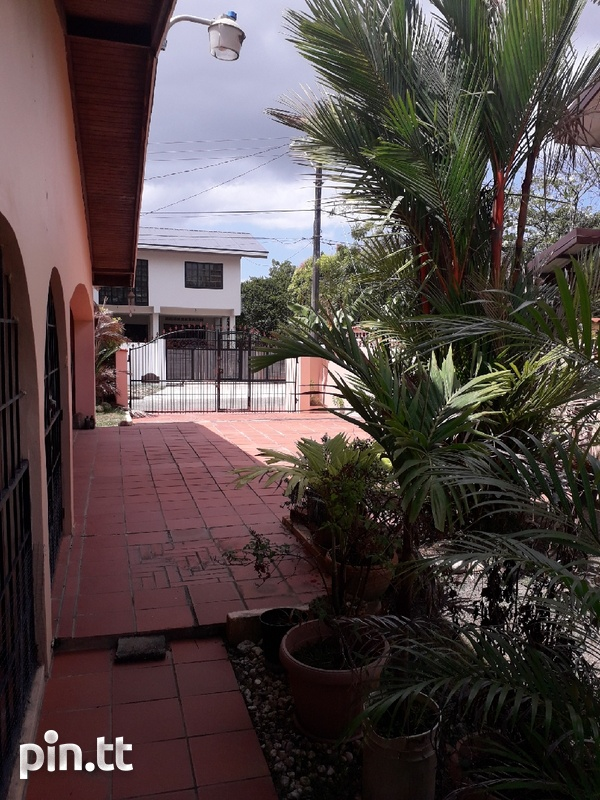 Lovely 4-bedroom fully furnished house Arima-8
