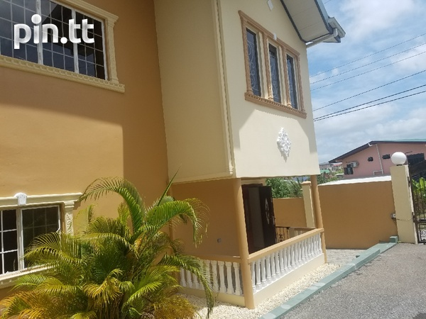 San Fernando townhouse with 3 bedrooms-1