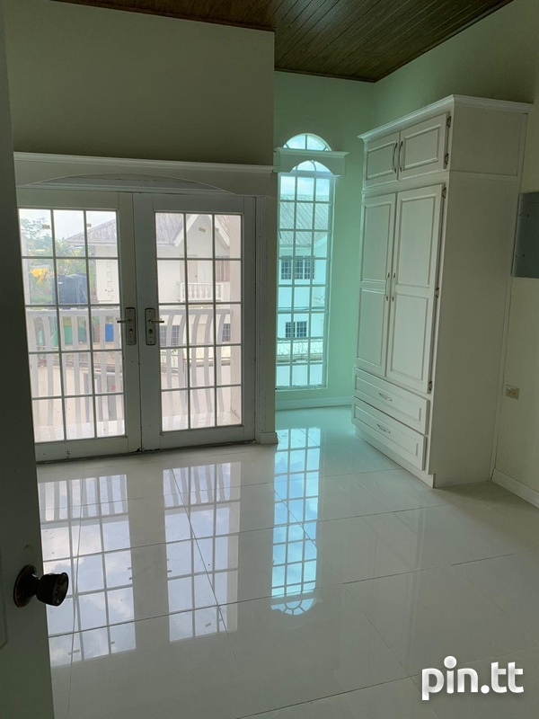 Piarco Townhouse with 2 bedrooms-6