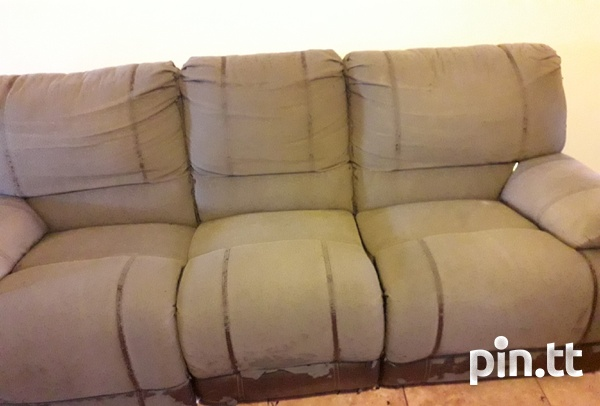3 seater recliner Curepe-2