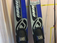 REDUCED O'BRIEN CELEBRITY COMBO WATERSKIS BLUE NEW