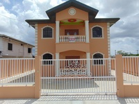 House with 4 bedrooms