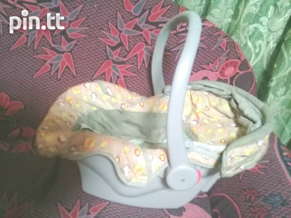 Baby Carseat Carrier and Rocker 3 in 1-3
