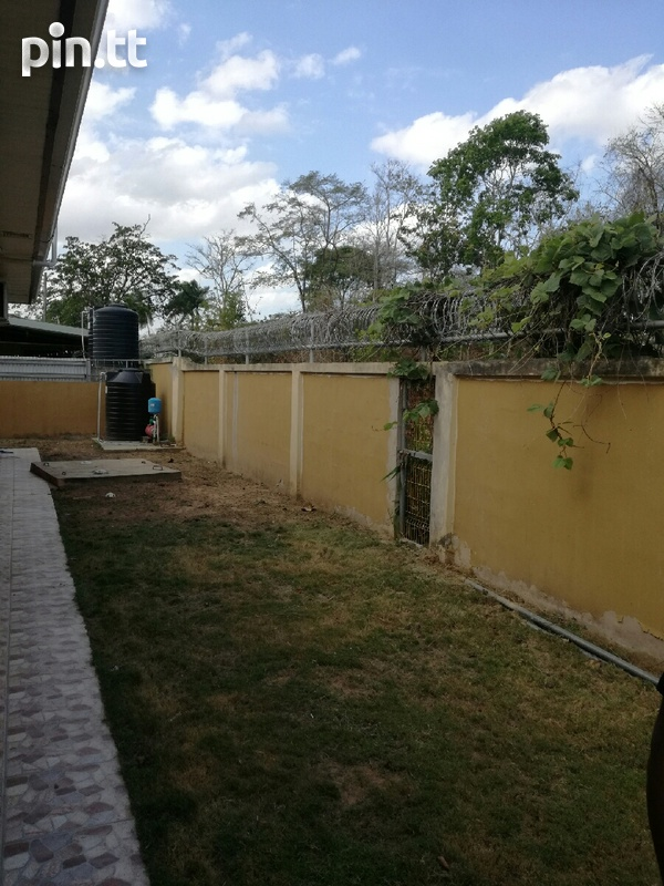 UNFURNISHED HOUSE 3 BEDROOMS-7