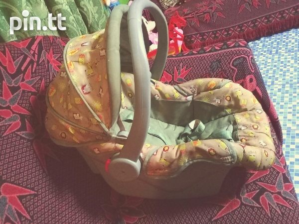 Baby Carseat Carrier and Rocker 3 in 1-1
