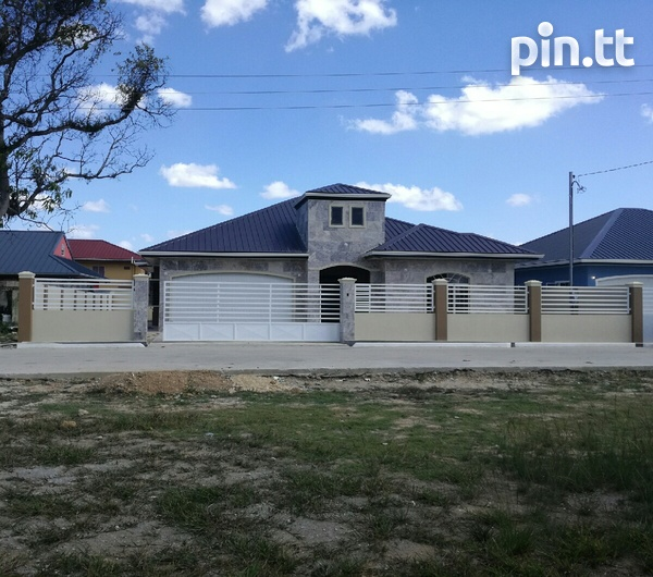 New house with 3 bedrooms-1