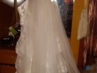 Wedding dress used once comes with veil