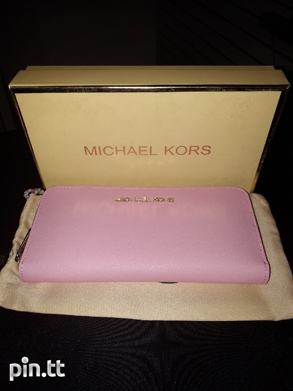 Michael Kors Wallet-2