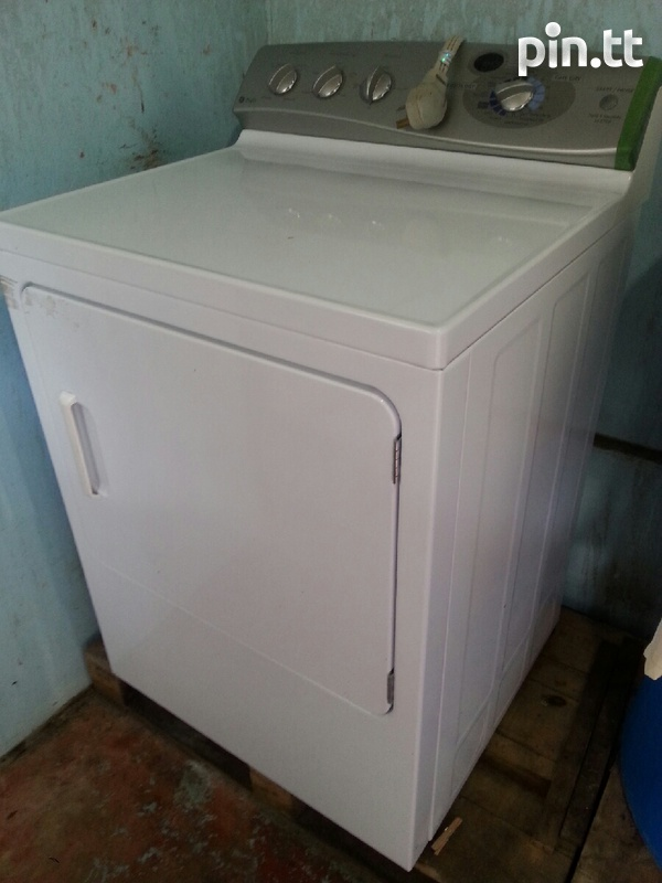 GE dryer in good condition-1