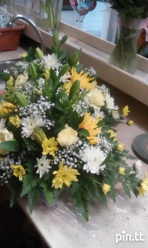 Flower arrangements for any occasions-3