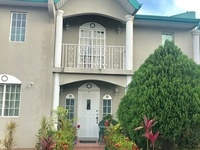 Gorgeous 3 bedrooms townhouse available