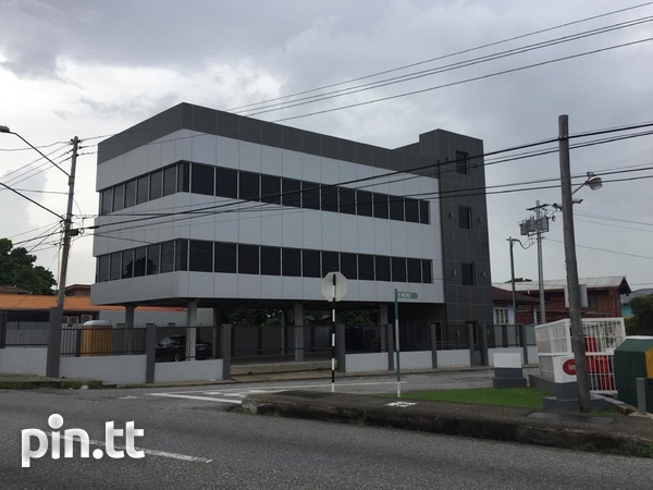 Commercial building in Barataria-1