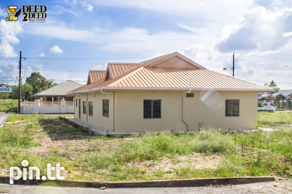 Newly built house with 3 bedrooms, Hillview Gardens, Longdenville-8
