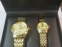 Watch gift set with male and female
