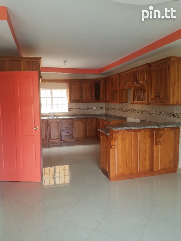 San Fernando townhouse with 3 bedrooms-2
