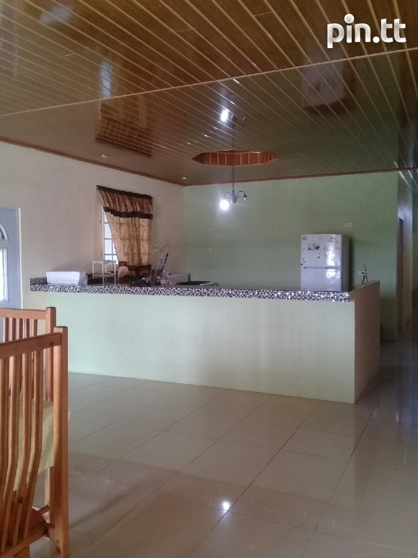 Waterloo house with 3 bedrooms-8