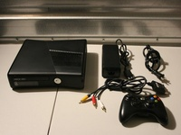 XBOX 360 SYSTEMS