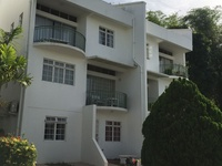 Flagstaff Furnished 3 Bedroom 3 storey townhouse with rooftop