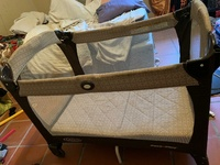 Graco pack and play crib for babies and toddlers