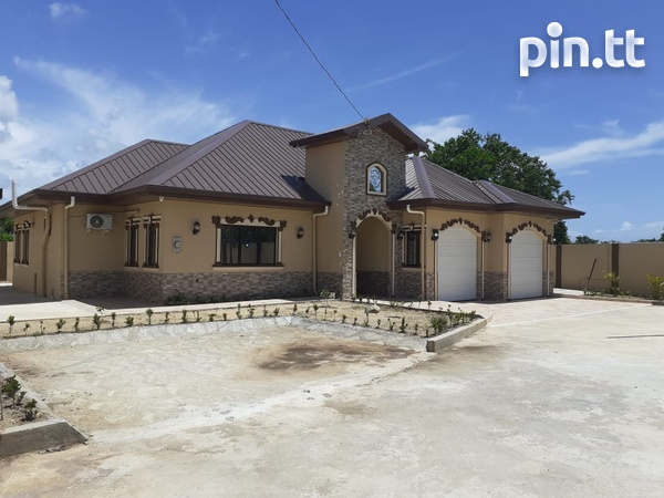 Executive Home in Small Gated Community Cunupia-2