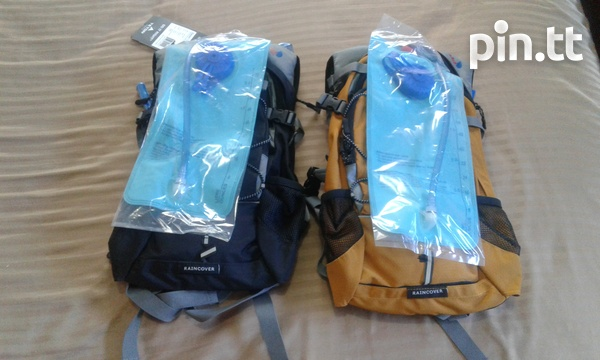 High Quality Hydration Backpack with 2 litre reservoir and rain cover-3