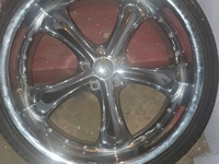 Status rims and tyres.