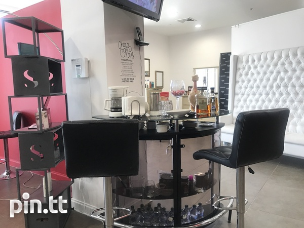 HAIR SALON - ONE WOODBROOK PLACE-4