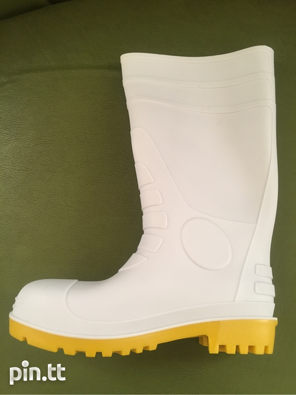 Water boot and apron-1