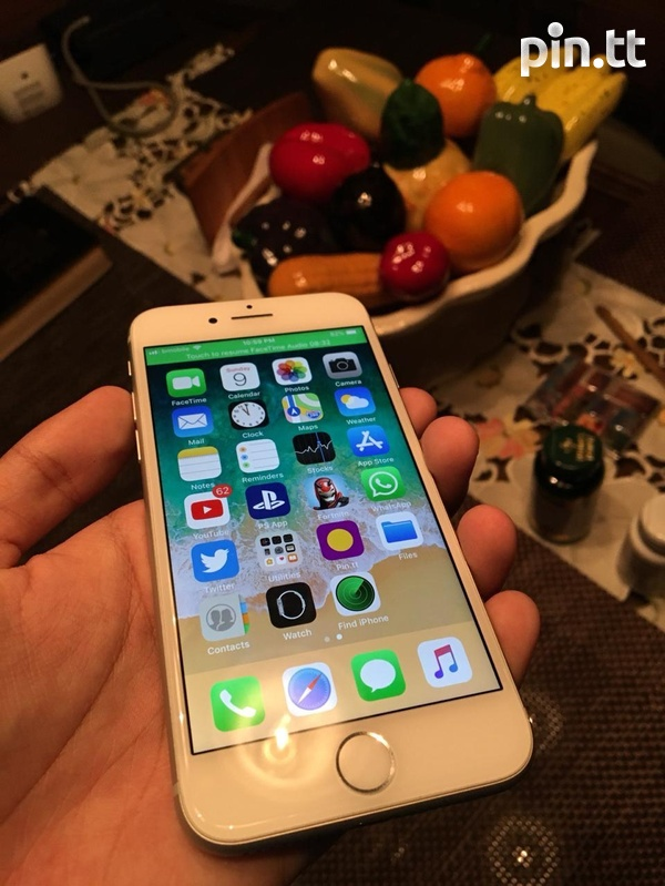iPhone 8 like new Quick Sale-2