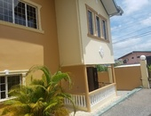San Fernando townhouse with 3 bedrooms