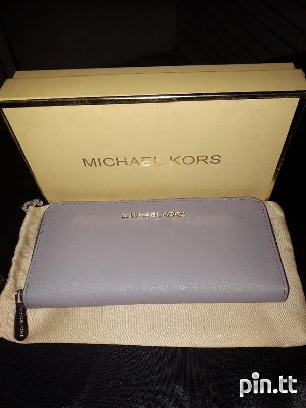 Michael Kors Wallet-1