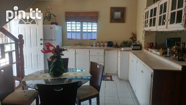 Vista Park Townhouse with 2 bedrooms-2