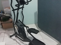 Gold's Gym 450i Elliptical Exercise Machine With iFit tech - Reduced