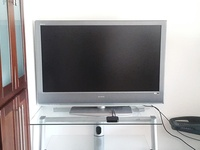 Sony Bravia 46 Inch Dolby HD TV, with Beautiful Matching Glass Stand