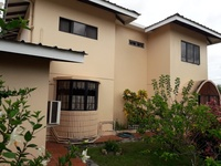 ARIMA Lovely fully-furnished, well maintained, family house