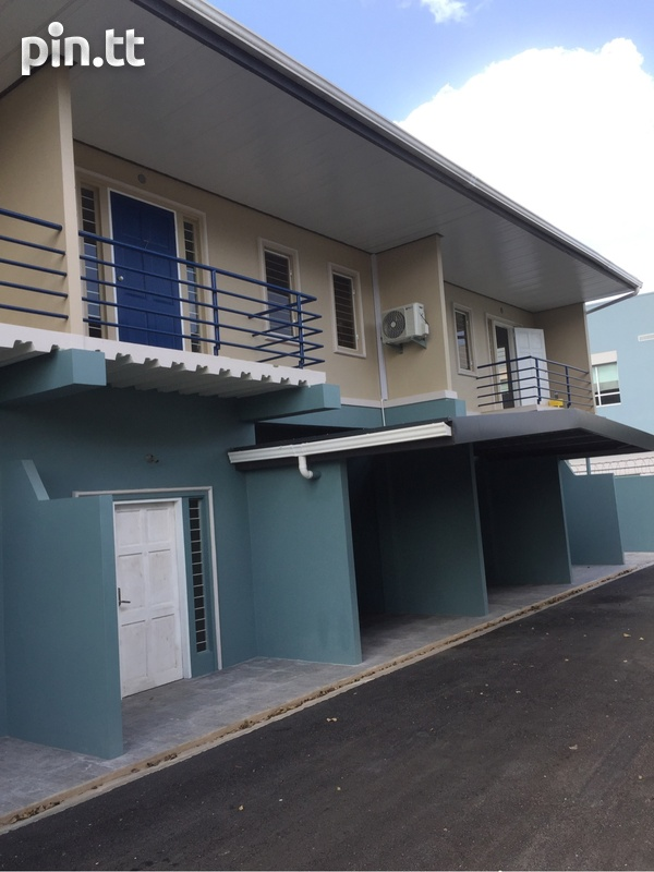 Apartment with 2 bedrooms . Semi Furnished-1
