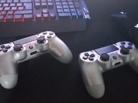 Used PS4 Controllers