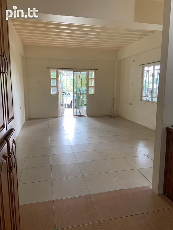 Affordable, convenient, unfurnished apartment-5