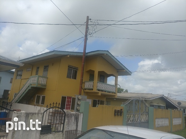 2 bedroom upstairs house - apts downstairs-2