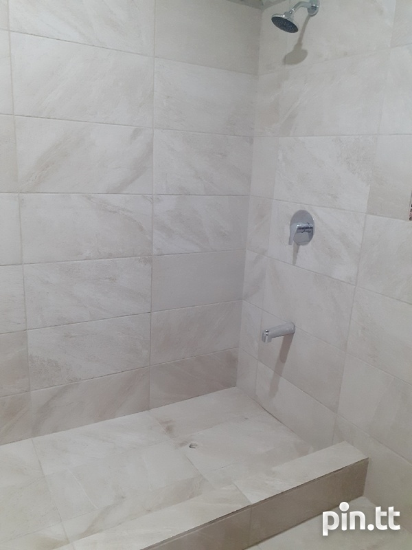 3 Bedroom Furnished House Maloney-6