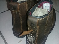 New V12 Safety Boots Size 8