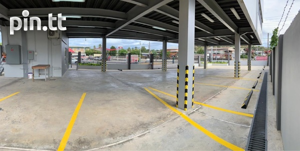 Commercial building in Barataria-2