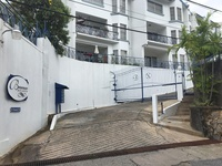 Spacious 3Bdr, Semi furnished, End unit Townhouse, Cascade
