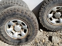 Hilux rims and tyres complete set