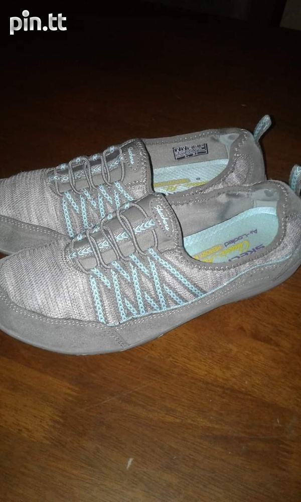 brand new 41b00 6ea21 Used Skechers slipon sneakers