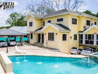LUXURIOUS FURNISHED TRI-LEVEL HOUSE WITH POOL, FREEPORT
